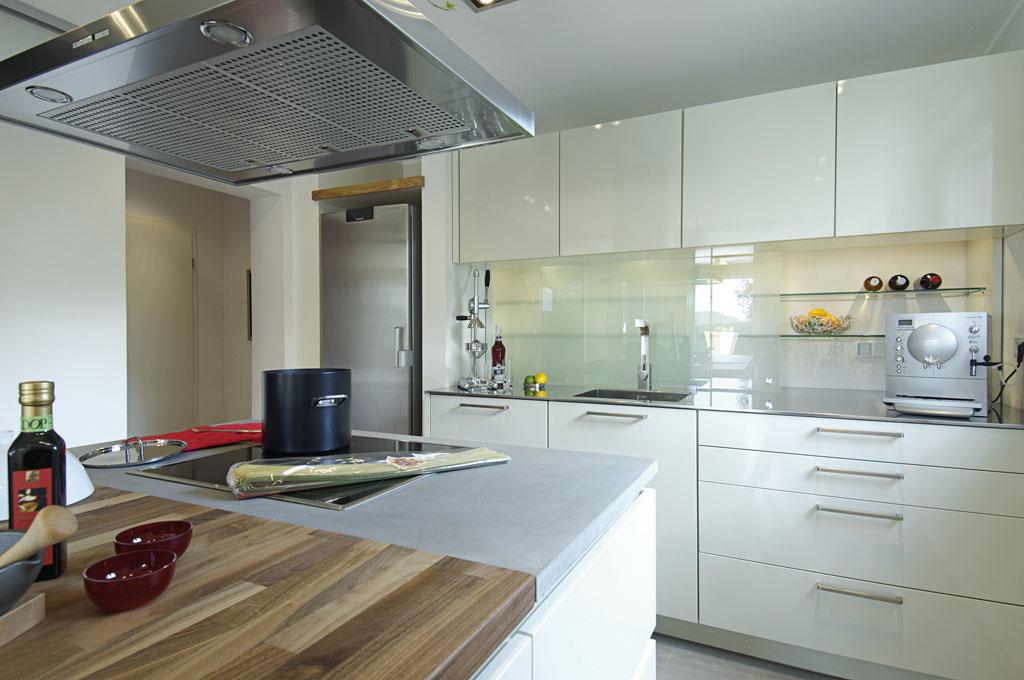 Kuchenstudio in aixheim bei trossingen schreinerei gruler for Dunstabzug in der arbeitsplatte
