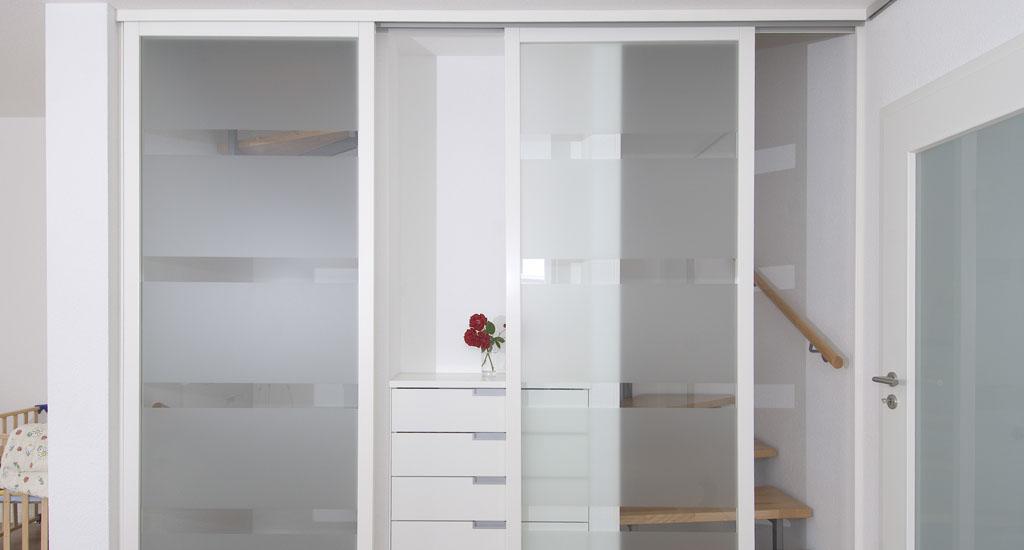 schiebet ren als zimmert r und raumteiler schreinerei. Black Bedroom Furniture Sets. Home Design Ideas